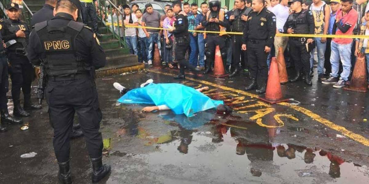 Hombre es asesinado con arma de fuego en la calzada Aguilar Batres