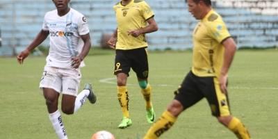 Fleitas logra primer triunfo al mando de Fuerza Amarilla en campeonato ecuatoriano