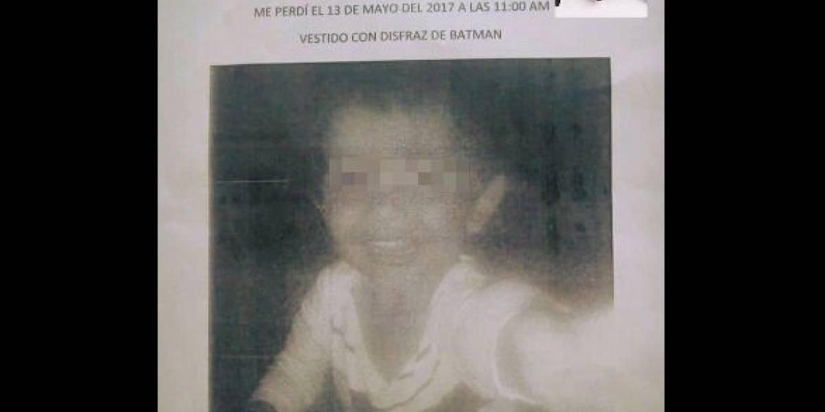 Hallan muerto en canal de aguas negras a niño extraviado en tianguis de Edomex