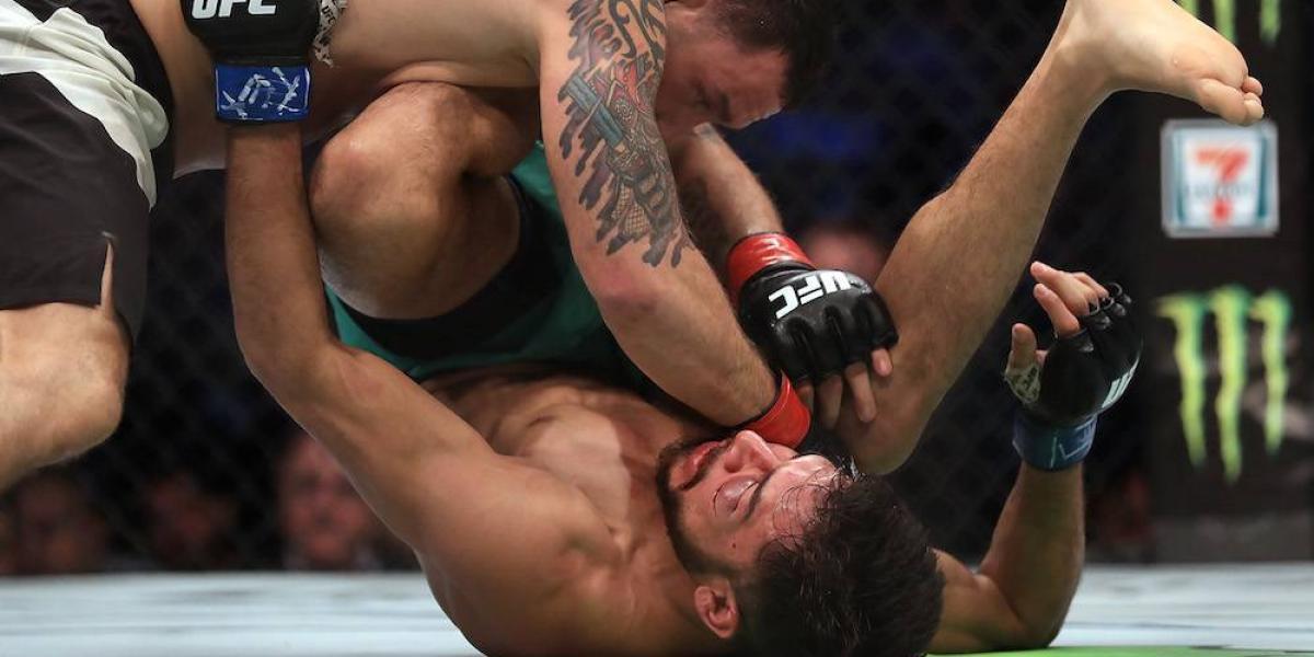 """""""Pantera"""" Rodríguez es apaleado por Frankie Edgar y pierde su invicto en UFC"""