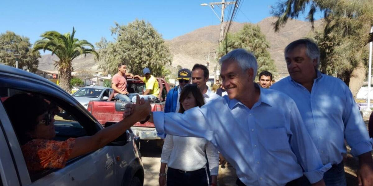 """Piñera visita Chañaral tras catástrofe: """"No vengo a aprovechar nada"""""""