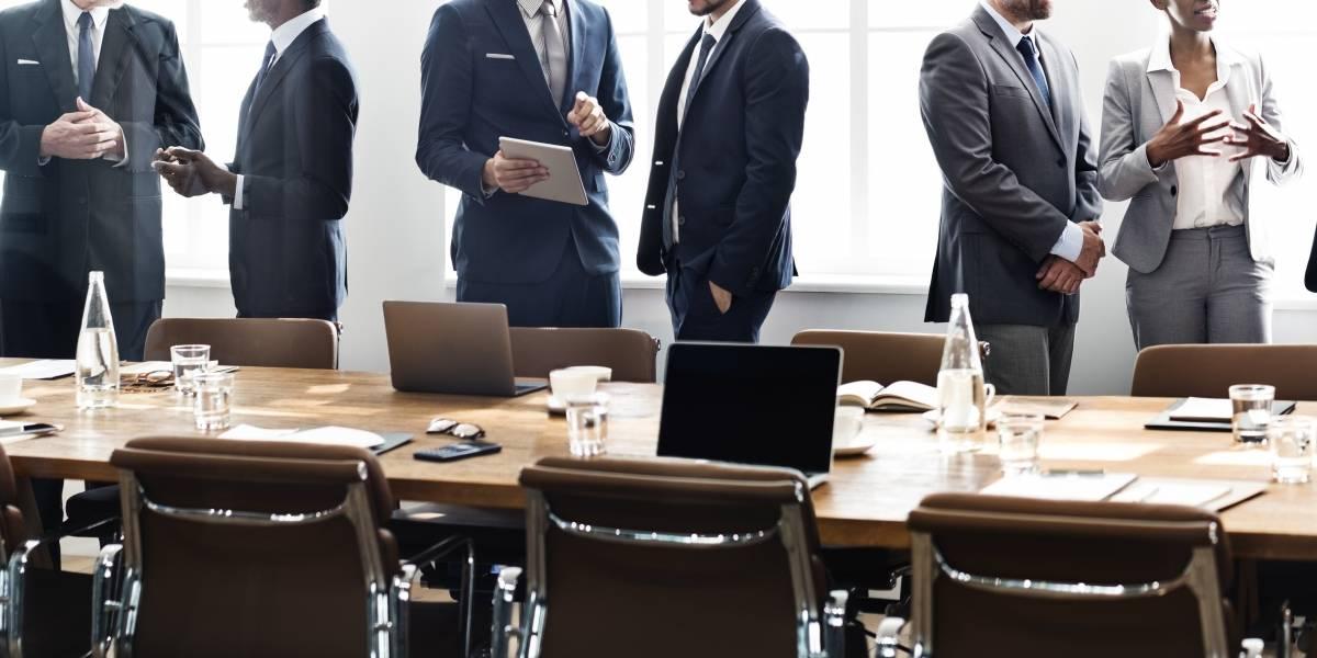 Cargos gerenciales pasan 50% de su jornada en reuniones