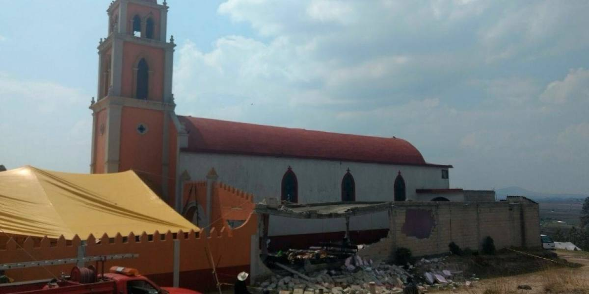 Explosión por pirotecnia en iglesia de Almoloya deja 11 heridos