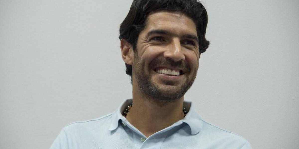 El Loco Abreu está a una firma de concretar su arribo al fútbol chileno