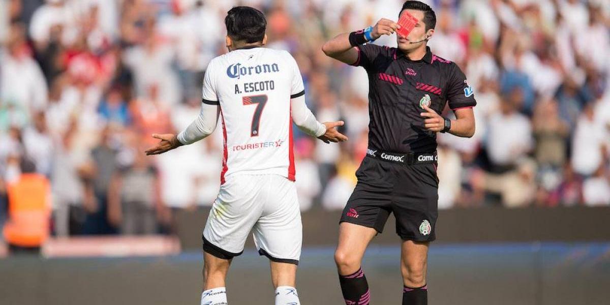 Lobos BUAP presenta inconformidad por expulsión a Amaury Escoto