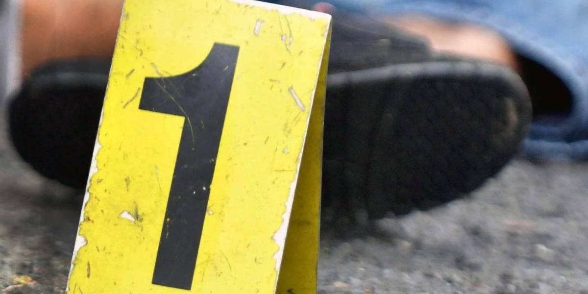 Más de cien piezas de evidencia en escena de doble asesinato
