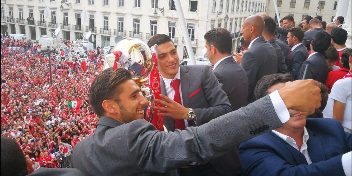 El Benfica y Raúl Jiménez presumen título con recorrido en Lisboa