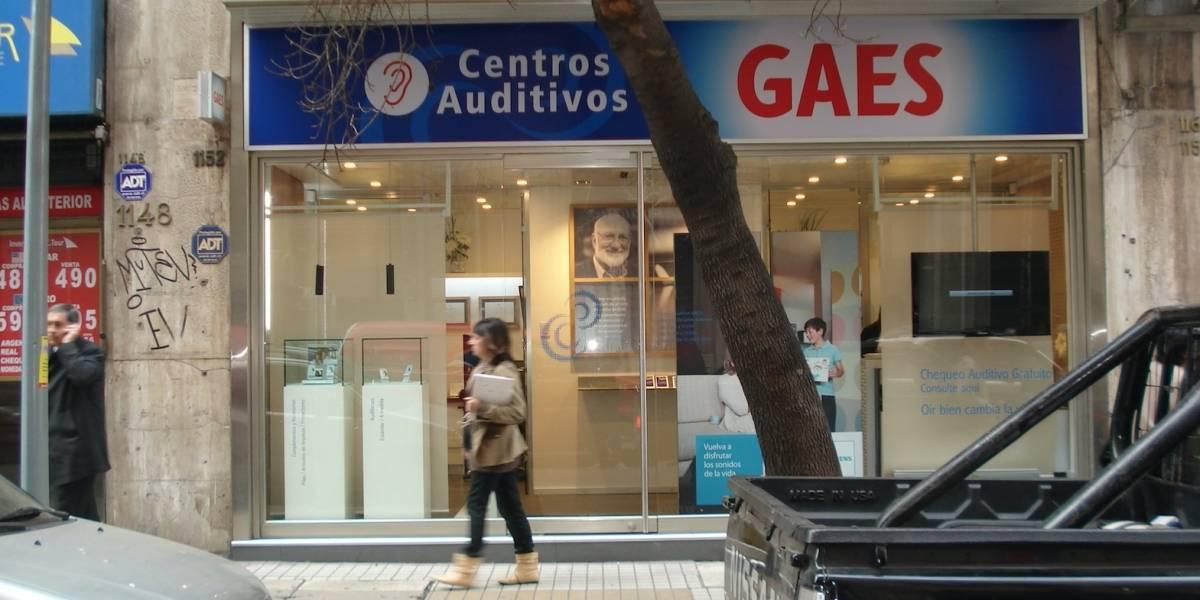 Campaña nacional ofrece chequeos auditivos gratuitos en 24 puntos de Chile