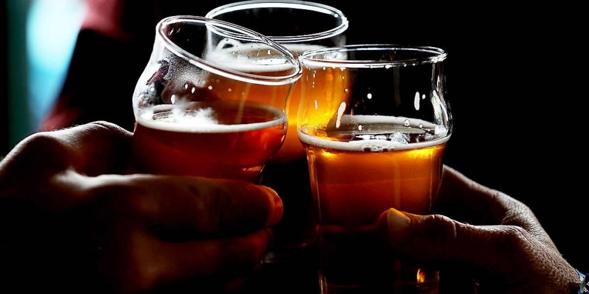 Bebida alcoólica 'destrava' língua e ajuda na pronúncia de outro idioma, diz estudo