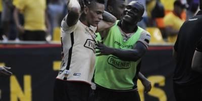 Asociación árbitros Ecuador defenderá a juez ante pedido castigo de Barcelona