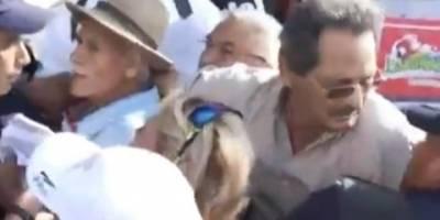 Detienen a líder magisterial disidente durante una protesta en Nuevo León
