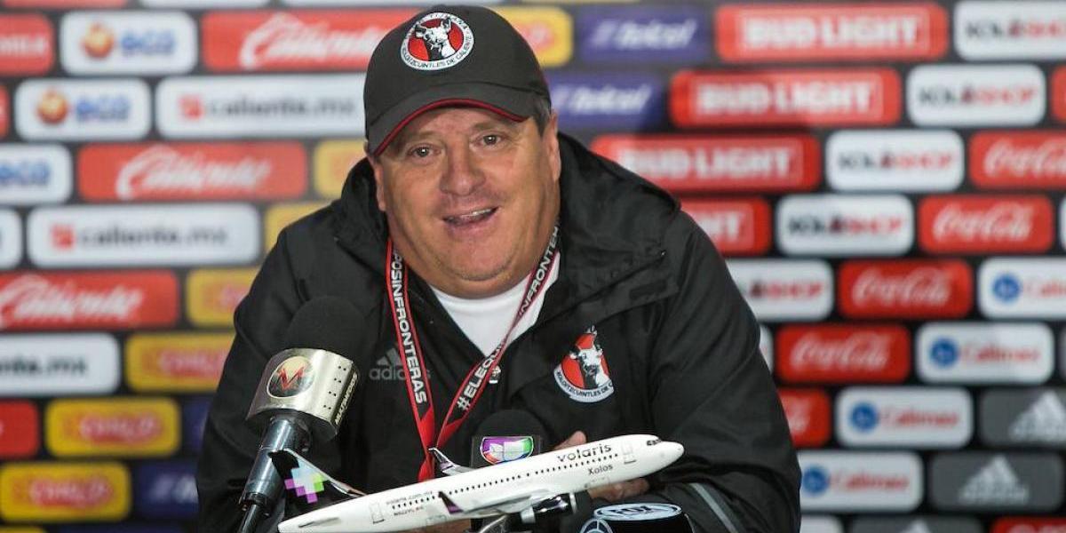 """Miguel Herrera le responde al """"Tuca"""": """"¡Cierra el hocico!"""""""