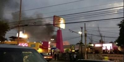 Se incendia supermercado en Miguel Ángel de Quevedo