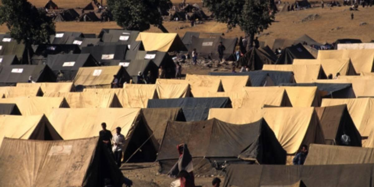 Arrestan a 68 personas que controlaban centro de refugiados en el sur de Italia
