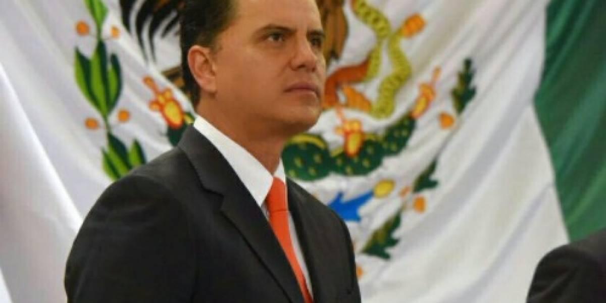 Captan a Roberto Sandoval pidiendo credenciales con fines electorales