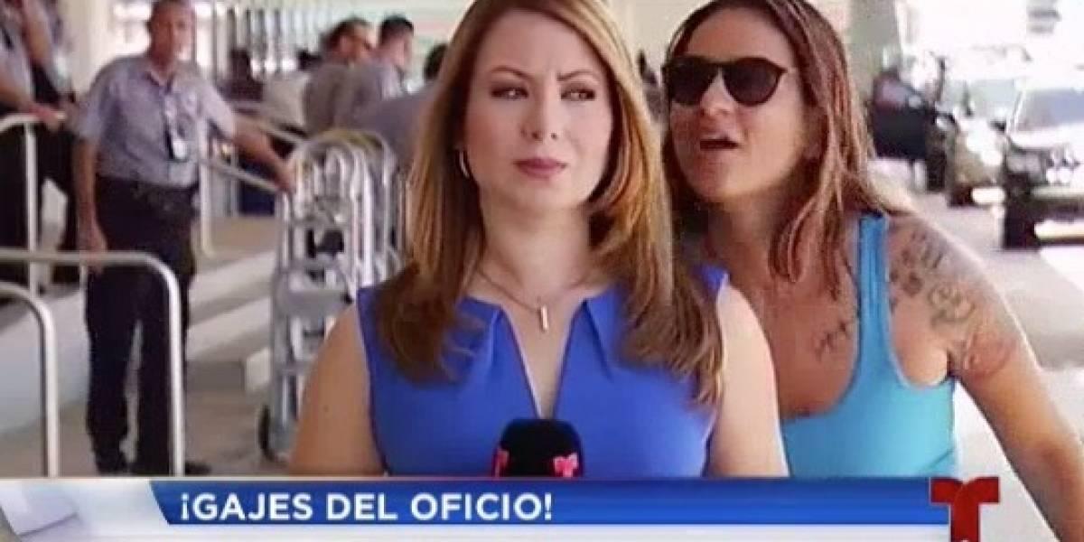 Reportera de Telenoticias vive jocoso momento al aire