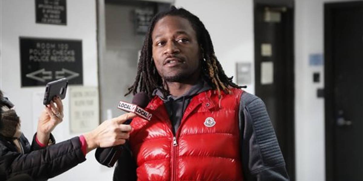 Pacman Jones se declara culpable de agresión
