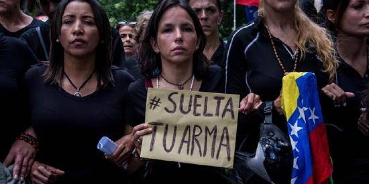 Violencia arrecia en protestas contra Maduro en Venezuela y ya deja 42 muertos