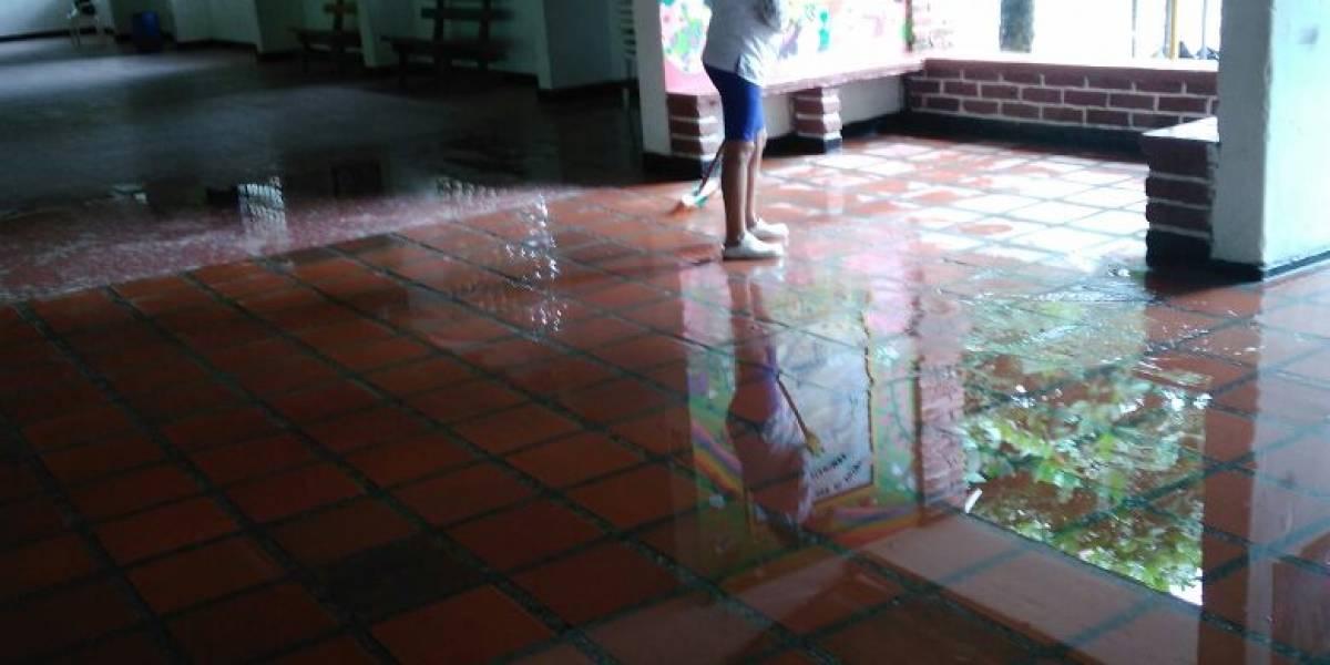 La ola invernal no para y este colegio amaneció inundado
