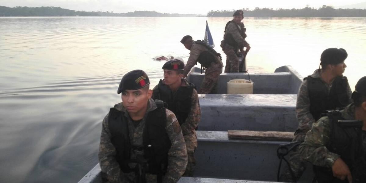 Ejército localiza cuerpo de menor desaparecido en Río Dulce tras impacto de rayo