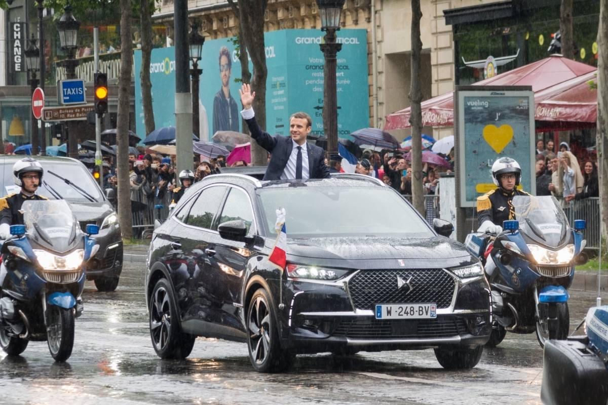 un descapotable es el nuevo auto presidencial de francia publimetro chile. Black Bedroom Furniture Sets. Home Design Ideas