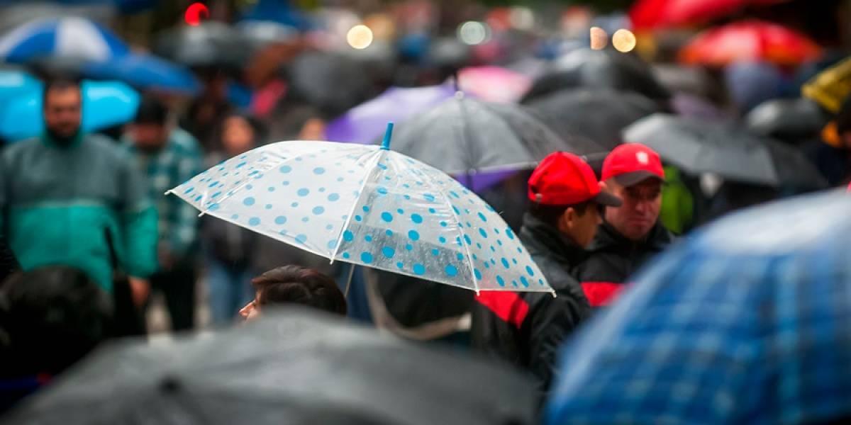 ¿Vuelve la lluvia? Meteorología advierte que precipitaciones regresarán durante la semana a Santiago