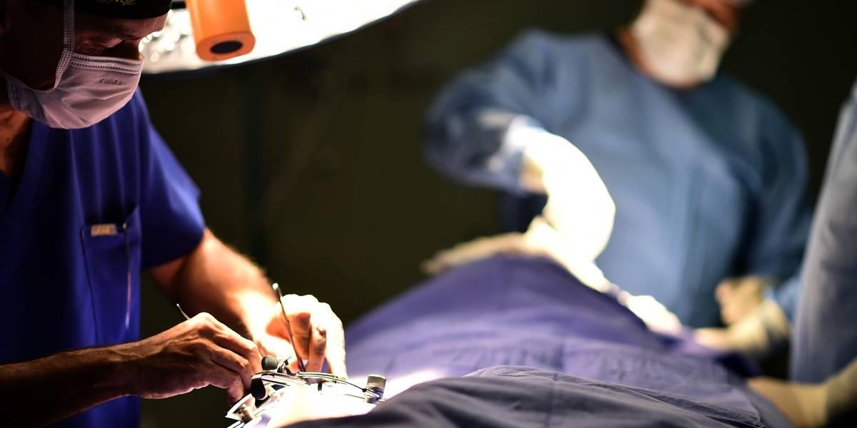 Médico que fez vasectomia em vez de cirurgia de fimose deve indenizar paciente