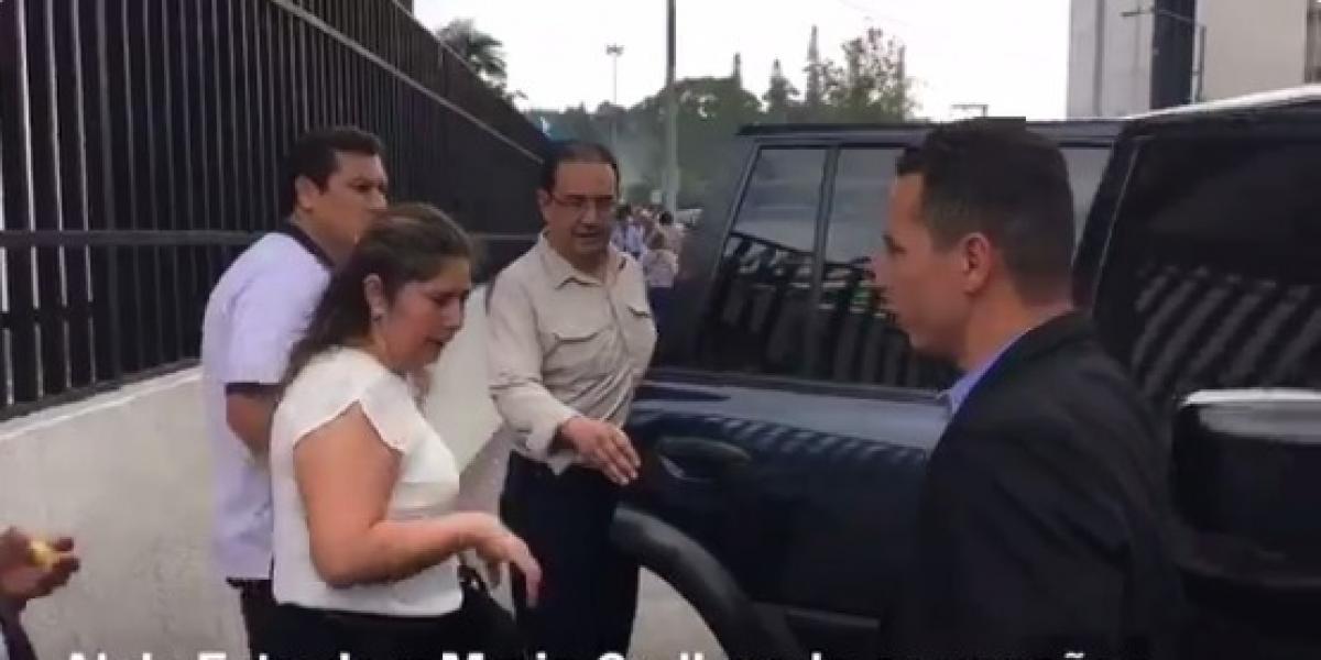 VIDEO. Sammy Morales se va de Tribunales acompañado de familiares de la exnovia de su sobrino