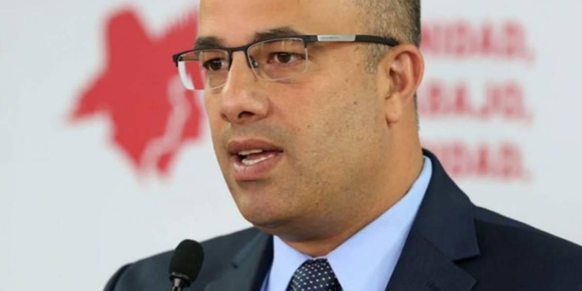 Ferrer presenta enmienda a Ley Electoral para crear registro electrónico