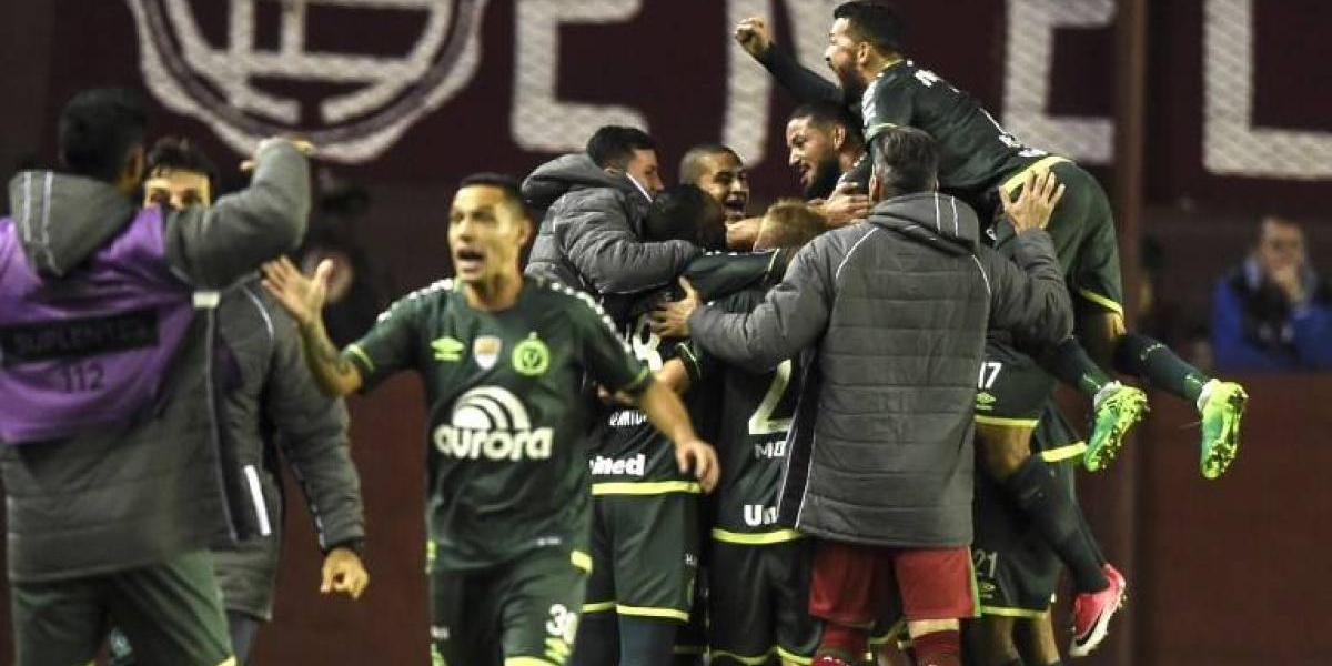 Polémica por triunfo de Chapecoense en la Libertadores con gol de jugador que estaba suspendido