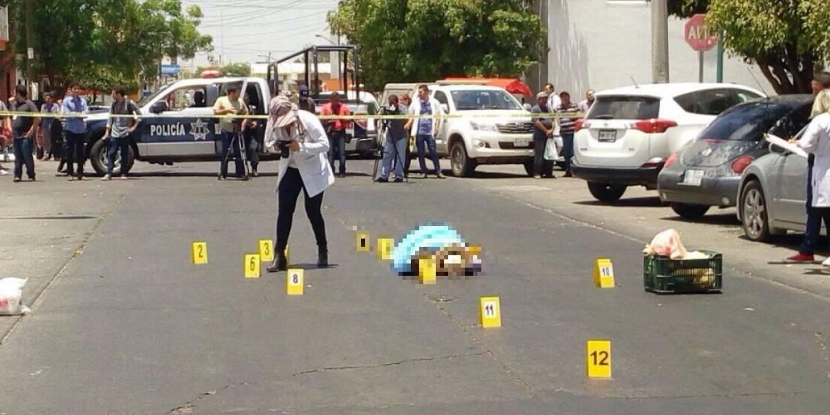 Robo de auto y labor periodística, líneas de investigación del asesinato de Javier Valdez: Fiscalía