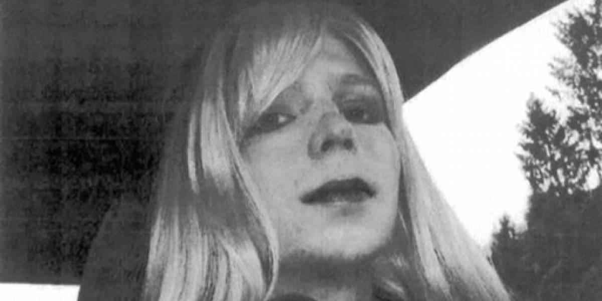 Soldado transgénero sale de prisión