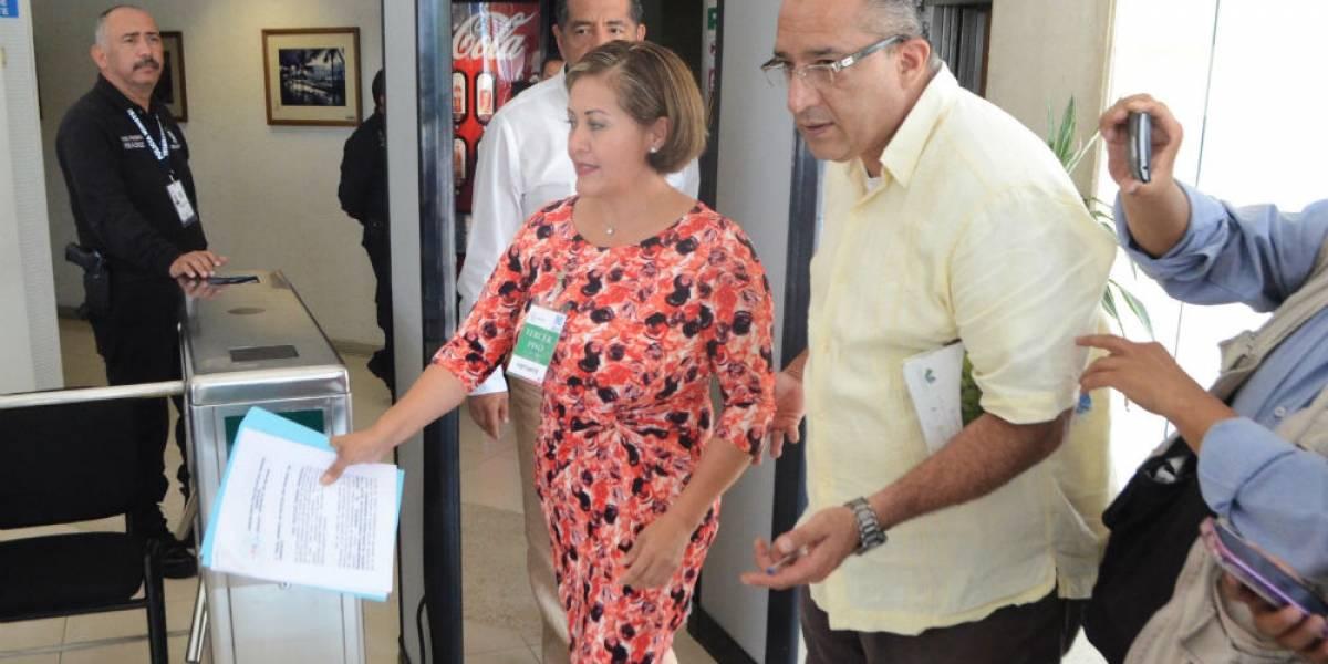 Notifican a Eva Cadena sobre proceso de desafuero