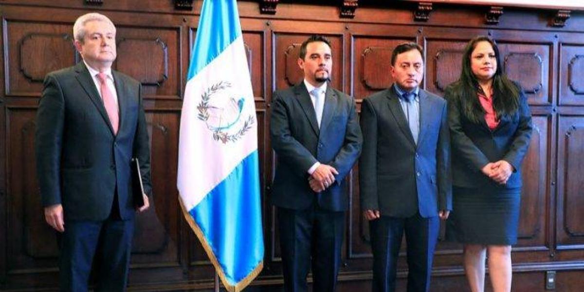 Juramentan a gobernadores de Santa Rosa, Totonicapán y Sacatepéquez
