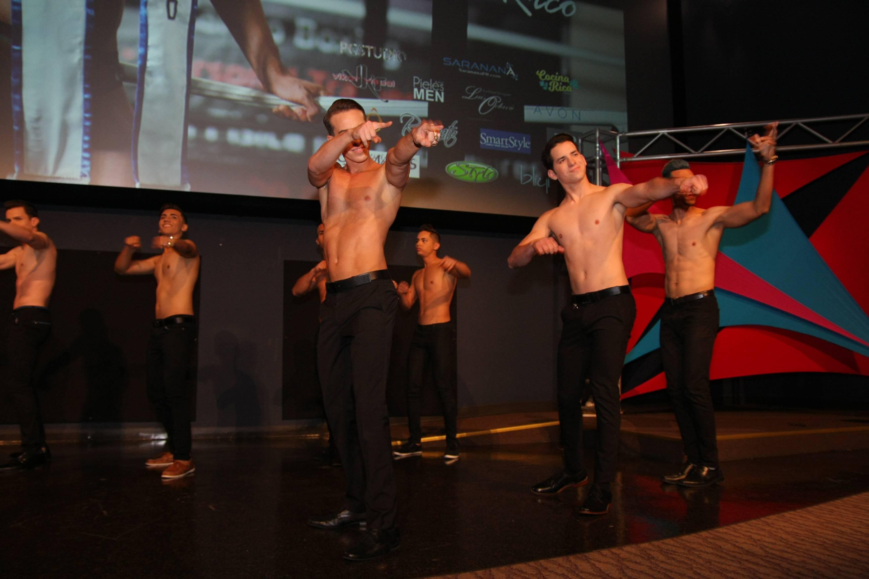 los-candidatos-bailaron-al-inicio-de-la-competencia-en-una-coreografia-de-yadiel-carrasco.jpg