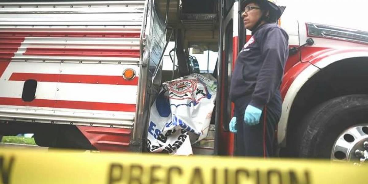 Piloto y ayudante de autobús mueren tras ataque armado en ruta Interamericana