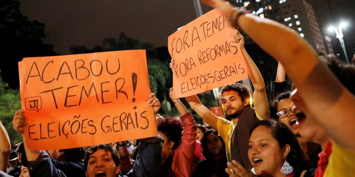Manifestação na Paulista pede o impeachment do presidente Temer