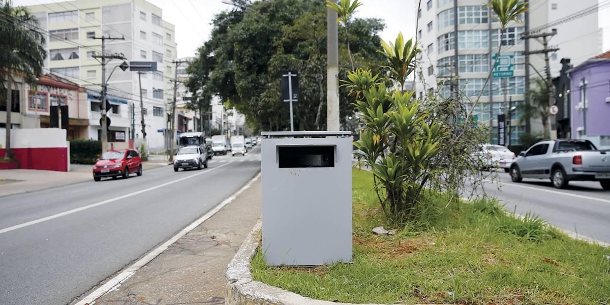 Prefeitura começa a tirar radares camuflados em São Paulo