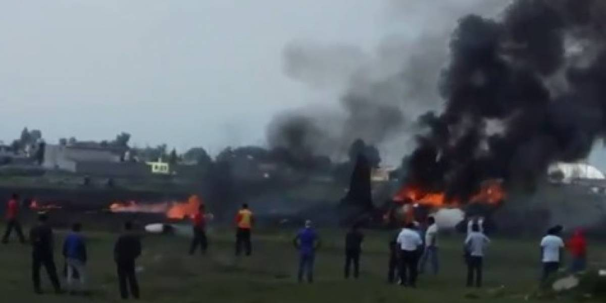 Desplome de avioneta en Aeropuerto de Toluca deja dos personas muertas