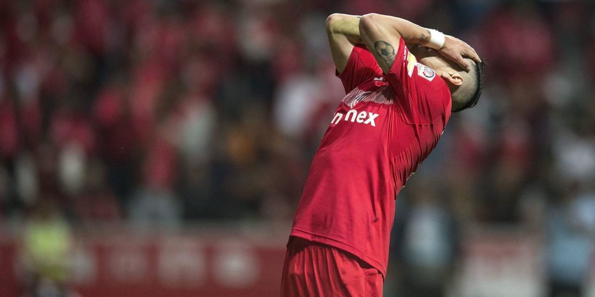 Jugadores de Chivas no perdonan a Rubens Sambueza
