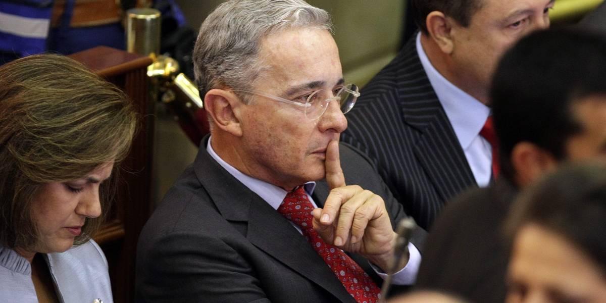 """""""La próxima vez lo invito a El Ubérrimo con Santrich y Márquez"""": Uribe a Cepeda"""