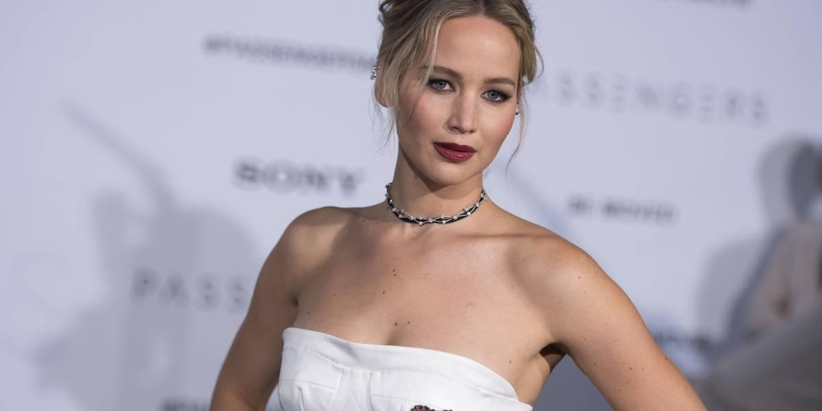 La loca noche de Jennifer Lawrence: Alcoholizada y bailando el caño en club de strippers