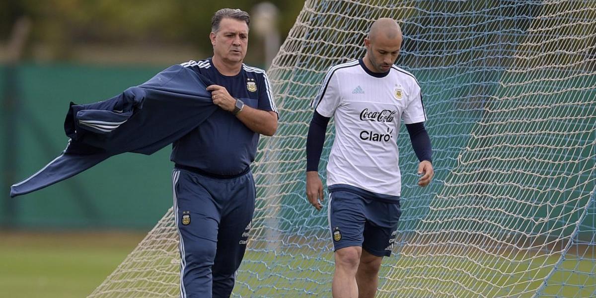 """""""Tata"""" Martino desmiente el gran mito albiceleste: """"Messi y Mascherano no me hacían la alineación"""""""