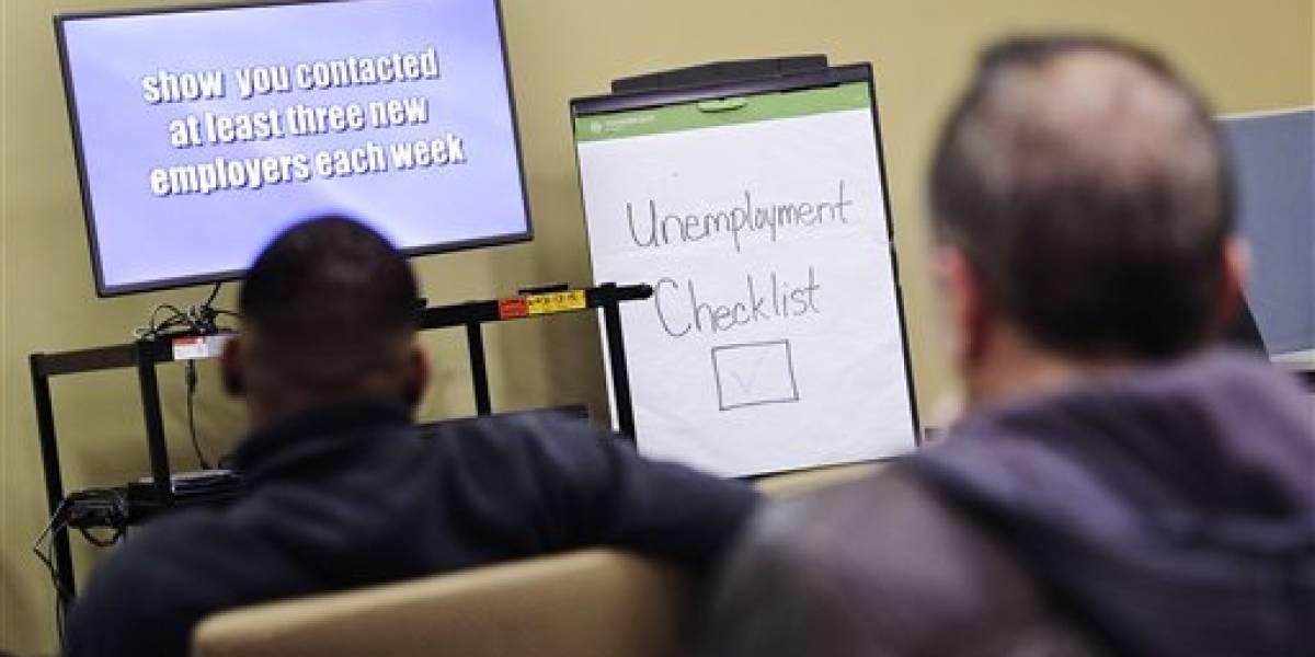 Reducen solicitudes de ayuda por desempleo en EE.UU.
