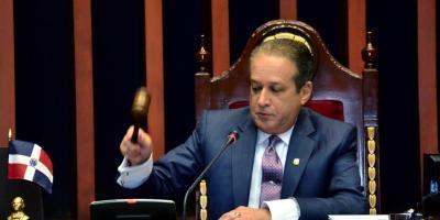 "Reinaldo Pared califica como ""espectáculo deprimente"" incidente en la PGR"