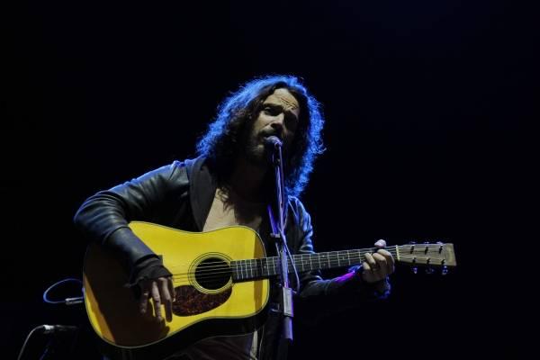 Megadeth rinde tributo a Chris Cornell en Tokio