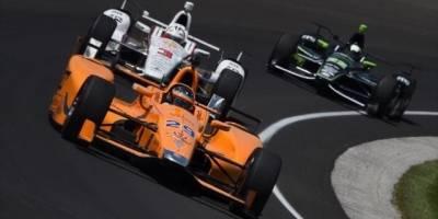 Jay Howard lidera treino da Indy 500 e Alonso repete quarto lugar