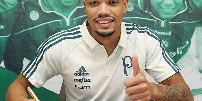 Vitor Hugo é liberado do Palmeiras, que já tem Juninho à disposição