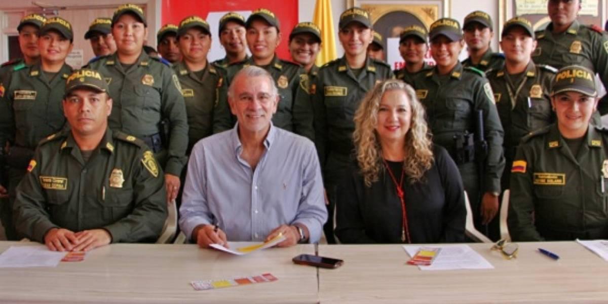 18 mujeres policías llevan a los municipios  del Atlántico políticas a favor de la mujer