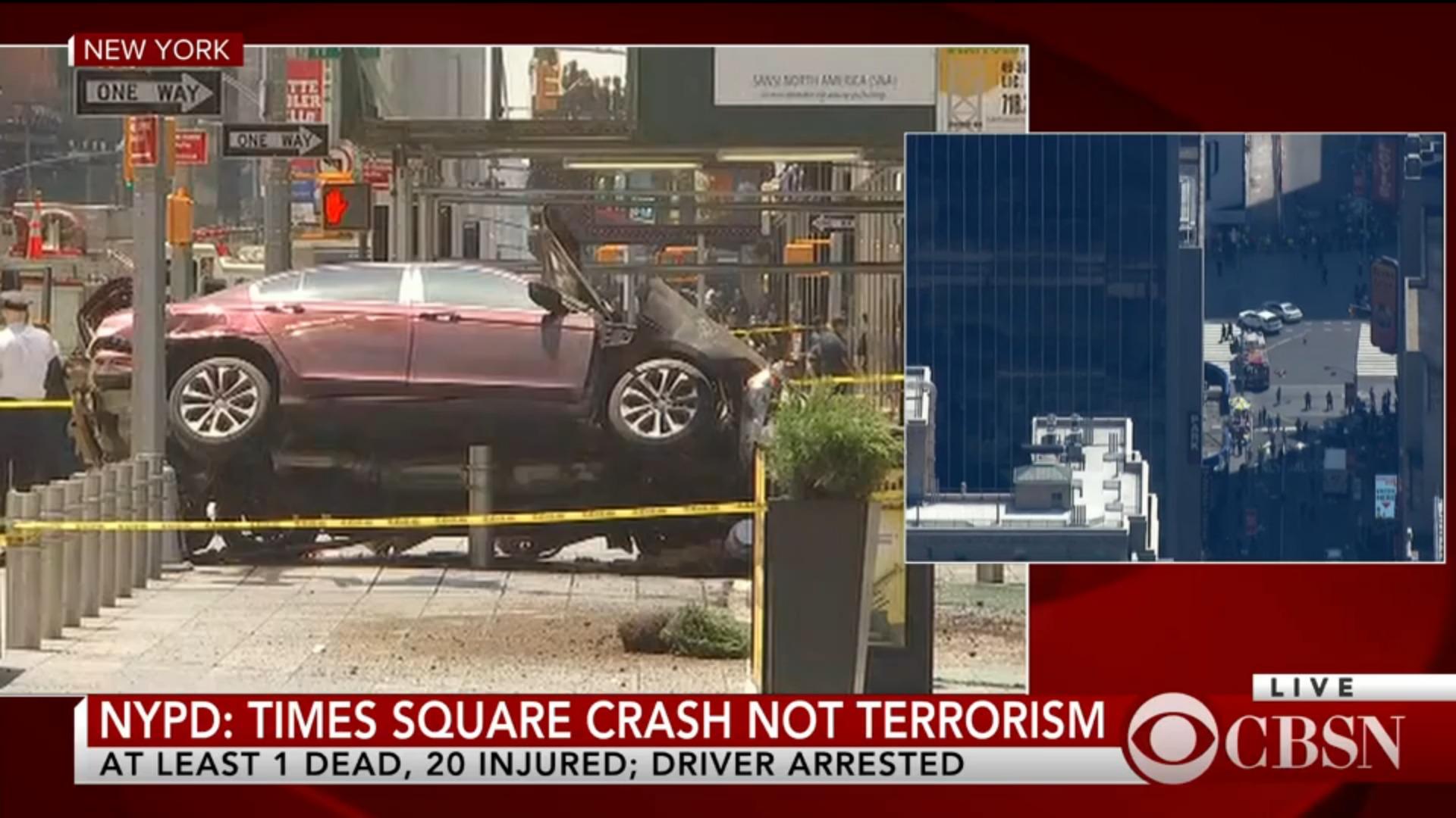 Auto utilizado por el sospechoso para arrollar grupo de personas en Times Square. / Captura de pantalla: CBS News
